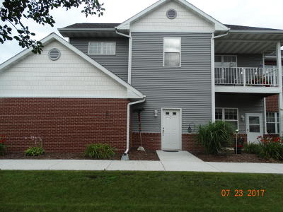 Ozaukee County Condo/Townhouse Active Contingent With Offer: 693 W Dekora St #G