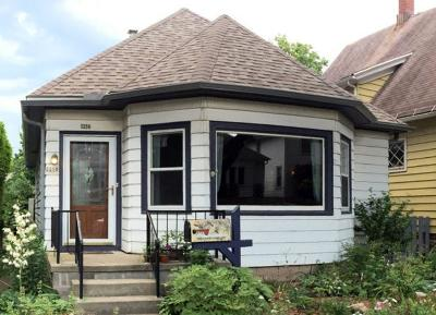 Milwaukee Single Family Home For Sale: 3258 S New York Ave