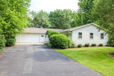 Cambridge Single Family Home Active Contingent With Offer: W9564 Gusta Ln