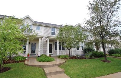 Watertown Condo/Townhouse Active Contingent With Offer: 612 Hunter Oaks Blvd