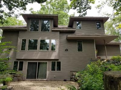 Lake Mills Single Family Home For Sale: 625 Highland Rd