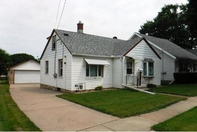 Watertown Single Family Home Active Contingent With Offer: 1105 S 10th St