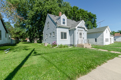 Waterloo Single Family Home Active Contingent With Offer: 345 Harrison St