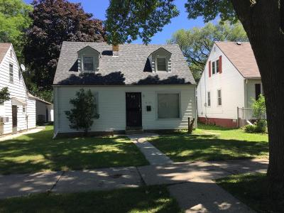 Milwaukee Single Family Home For Sale: 4166 N 47th St