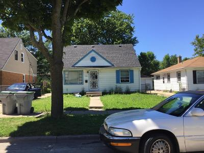 Milwaukee Single Family Home For Sale: 5269 N 61st St