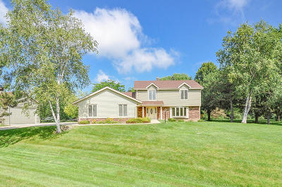 Racine Single Family Home Active Contingent With Offer: 3040 Fenceline Rd