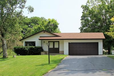 Cedarburg Single Family Home Active Contingent With Offer: 2590 Bobolink Drive