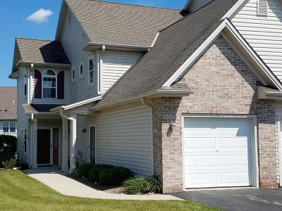 Slinger Condo/Townhouse Active Contingent With Offer: 470 Pine Cove Ct #402