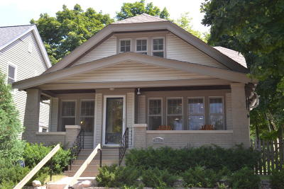 Shorewood Single Family Home For Sale: 4454 N Larkin St