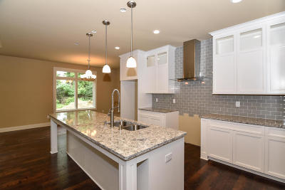 Mequon Condo/Townhouse For Sale: 7237 W Heron Pond