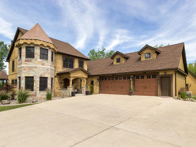 Pleasant Prairie Single Family Home For Sale: 8403 110th Ave
