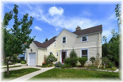 Racine Single Family Home Active Contingent With Offer: 2811 Chatham St