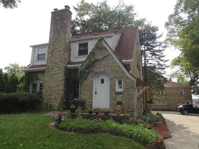 Racine County Single Family Home Active Contingent With Offer: 7345 W Wind Lake Rd