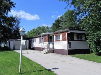 Watertown Single Family Home For Sale: 69 Mournng Dove Dr