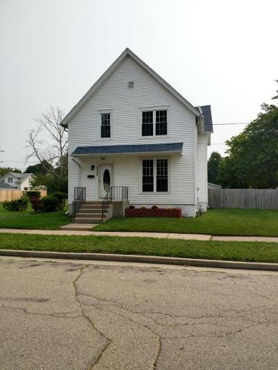 Kenosha Single Family Home For Sale: 6629 24th Ave