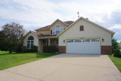 Watertown Single Family Home For Sale: 1323 Heritage Ct