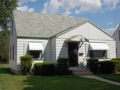 Milwaukee Single Family Home For Sale: 3654 S 24th St