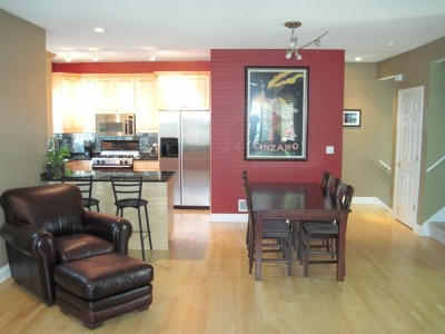 Milwaukee Condo/Townhouse For Sale: 225 E Vine St.