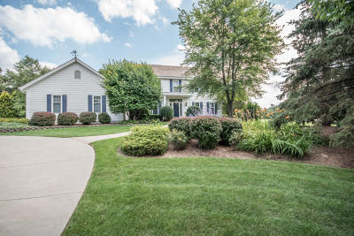 Waukesha Single Family Home Active Contingent With Offer: 301 N Comanche Ln