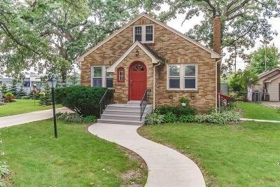 Kenosha Single Family Home For Sale: 5115 Harrison Rd