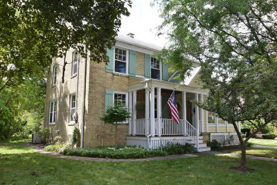 Cedarburg Single Family Home For Sale: W66n521 Madison Ave