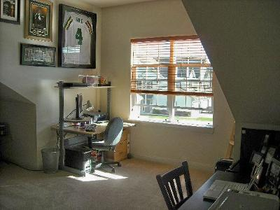 Racine County Condo/Townhouse Active Contingent With Offer: 971 Bedford Ct #202