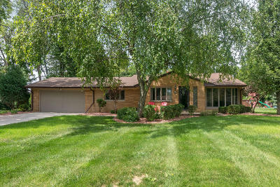 Hales Corners Single Family Home Active Contingent With Offer: 5227 S Allenwood Ln
