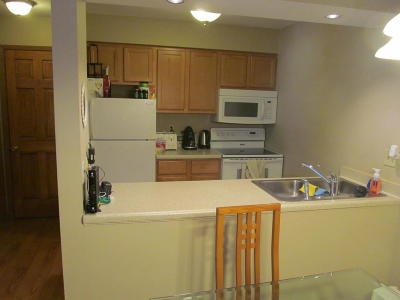 Greenfield Condo/Townhouse For Sale: 4025 S 84th St #2