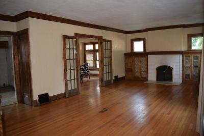 Racine Single Family Home For Sale: 2520 Lasalle St