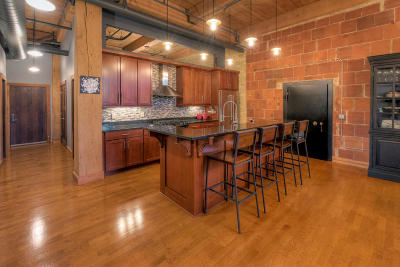 Milwaukee Condo/Townhouse For Sale: 1818 N Water St #207