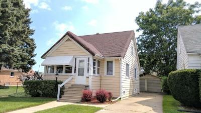 Kenosha Single Family Home For Sale: 5217 35th Ave