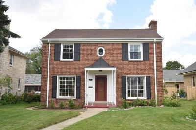 Milwaukee Single Family Home For Sale: 2821 N Avondale Blvd
