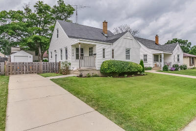Kenosha Single Family Home Active Contingent With Offer: 6540 39th Ave