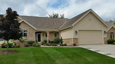 West Bend Condo/Townhouse For Sale: 1406 Hidden Waters Cir
