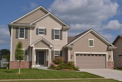 Racine Single Family Home Active Contingent With Offer: 4545 Bannoch Dr