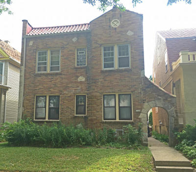 Milwaukee Multi Family Home For Sale: 3304 N Newhall St