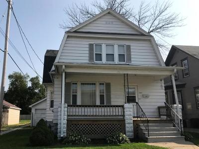 Kenosha Single Family Home For Sale: 2017 64th St
