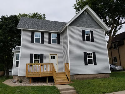Watertown Single Family Home Active Contingent With Offer: 114 S Monroe St
