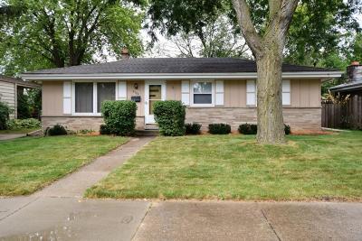 Racine Single Family Home For Sale: 4134 Manhattan Dr