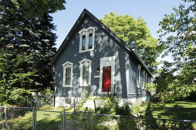 Milwaukee Single Family Home For Sale: 2724 N Booth St