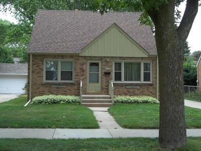 Milwaukee Single Family Home For Sale: 3822 N 88th Street