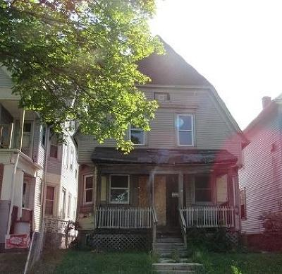 Milwaukee Single Family Home For Sale: 2652 N 28th St