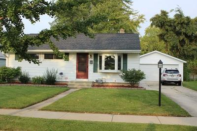 Ozaukee County Single Family Home Active Contingent With Offer: 1220 4th Ave