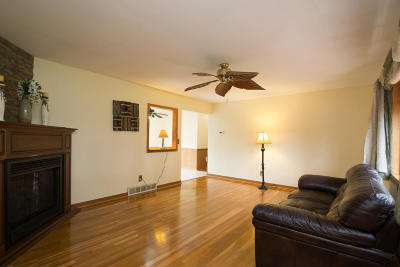Menomonee Falls Single Family Home Active Contingent With Offer: N56w15743 Scott Ln
