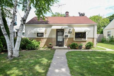 Milwaukee Single Family Home For Sale: 3428 S Griffin Ave