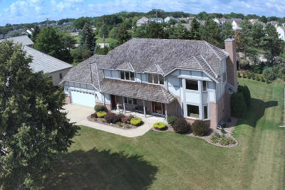 Franklin Single Family Home For Sale: 8241 S Country Club Cir