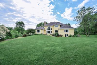 Ozaukee County Single Family Home For Sale: 3539 E Norport Dr