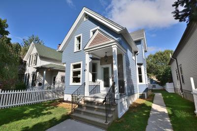 Milwaukee Single Family Home Active Contingent With Offer: 516 E Otjen St