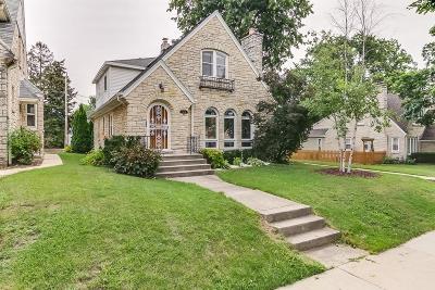 Milwaukee WI Single Family Home For Sale: $189,900