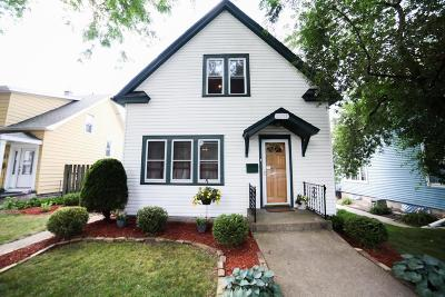 Milwaukee Single Family Home Active Contingent With Offer: 2717 S Wentworth Ave